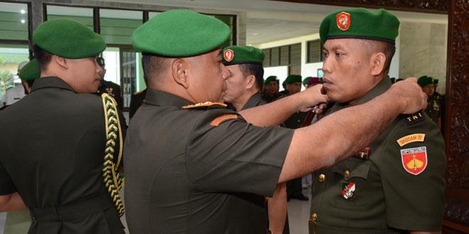 Serah Terima dan Wisuda Purna Wira Pejabat Kodam IV/Diponegoro