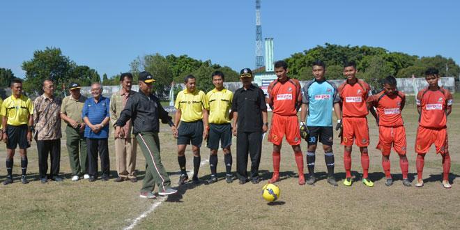 Turnamen Sepak Bola Danrem Cup Memeriahkan HUT Ke-70 RI
