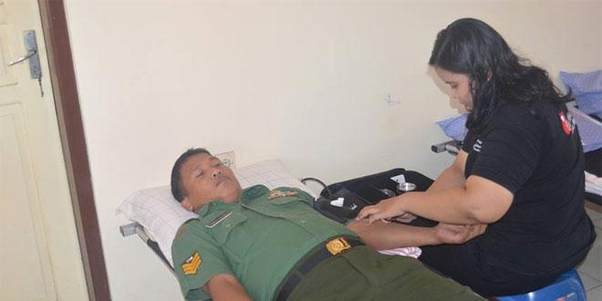 Peringati HUT Kemerdekaan, Personel Kodim Ikut Donor