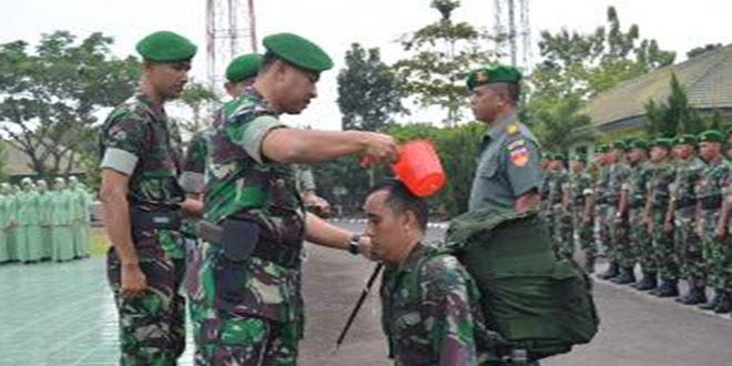 Tradisi Penerimaan Prajurit Baru dan Pelepasan Prajurit Brigif-4/DR