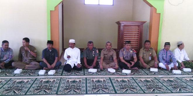 Danramil Batuwarno Hadiri Pelepasan Jamaah Calon Haji