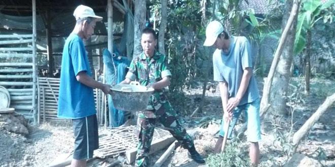 Koramil 15/Ngombol Laksanakan Jambanisasi di Desa Kembangkuning