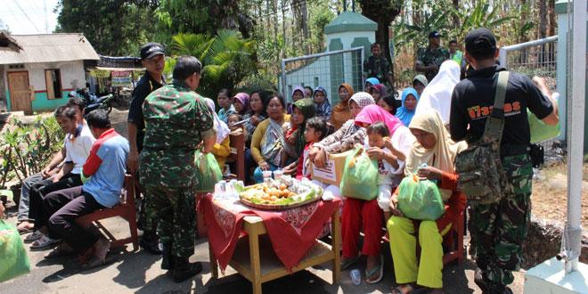 Kodim 0733 Kota Semarang Gelar Bhakti Sosial Pengobatan dan Bagi Sembako Gratis