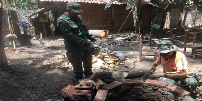 Koramil 08/Kemiri Laksanakan Jambanisasi di Desa Paitan