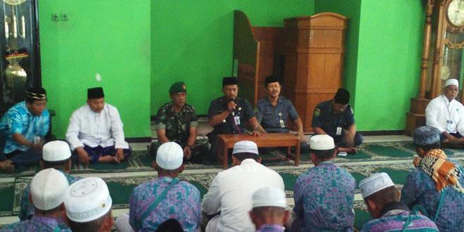 Koramil 01 Demak Kota Bantu Kelancaran Kedatangan Jamaah Haji