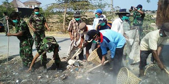 Koramil 03/Wanasari Bersama Jajaran Muspika Bersih-Bersih Desa