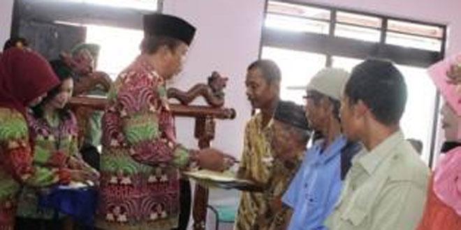 Kodim 0725/Sragen Hadiri Penyerahan Bantuan Perbaikan RTLH di Kecamatan Kedawung