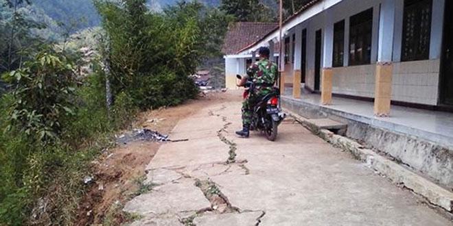 Danramil 06/Grabag Kodim 0705/Magelang Pantau Wilayah Rawan Bencana