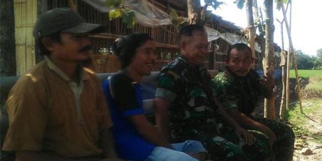 Komsos Babinsa Kedungbanteng dengan Para Petani Desa Dukuh Jatiwetan