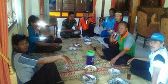 Babinsa Koramil 11/Jenar Coffe Morning dengan Muspika dan Perangkat Desa Kandangsapi