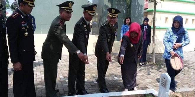 Ziarah Nasional Dalam Rangka Peringatan Hari Pahlawan Ke 70 Th 2015 Kab Tegal