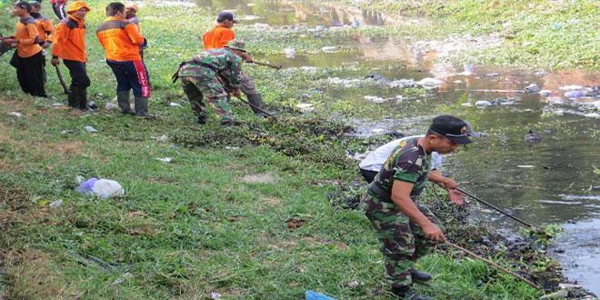 Kerja Bhakti Dalam Rangka Pencanangan Penanganan Kawasan Kumuh Perkotaan Kabupaten Brebes
