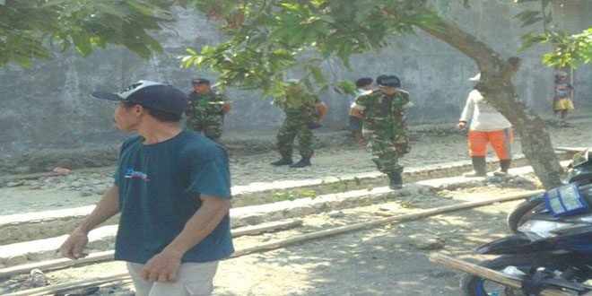 Koramil 13/Kedungbanteng Karya Bhakti di Desa Karanganyar