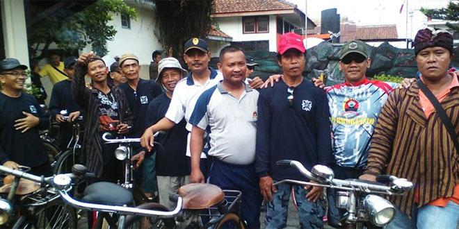 Koramil dan Polsek Sokaraja Gowes Keliling Kampung
