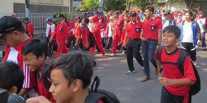 Komandan Kodim 0706/Temanggung Mengikuti Jalan Santai HUT PGRI Kab. Temanggung
