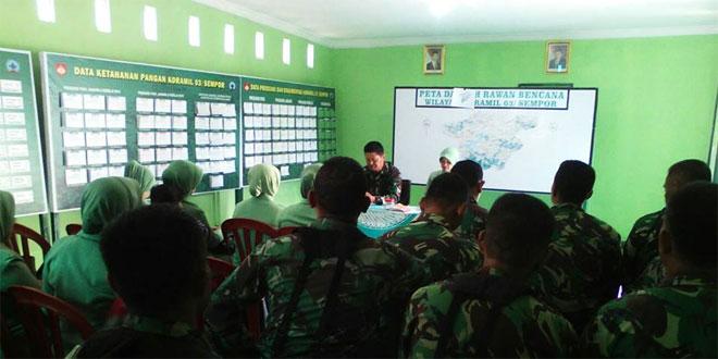 Danramil 03/Sempor Memberikan Jam Komandan di Aula Makoramil