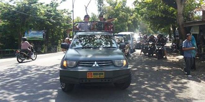 Danramil 2/Purwokerto Selatan Ikuti Kirab Piala Adipura