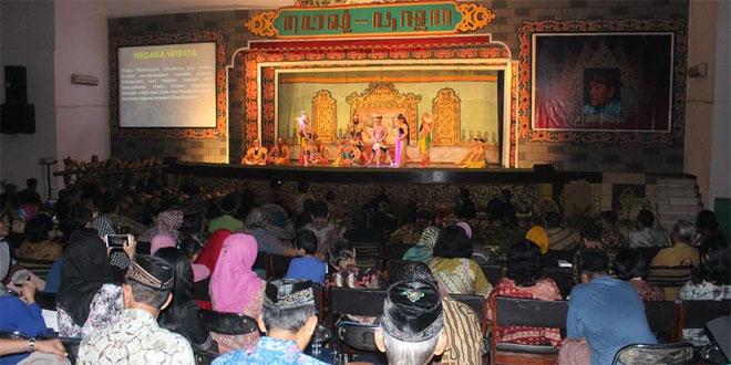 Dandim 0733-BS Semarang Nonton Bersama Wayang Ngesti Pandowo