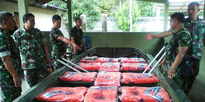 Koramil 18/Puring Siagakan Perahu Penolong Hadapi Ancaman Banjir