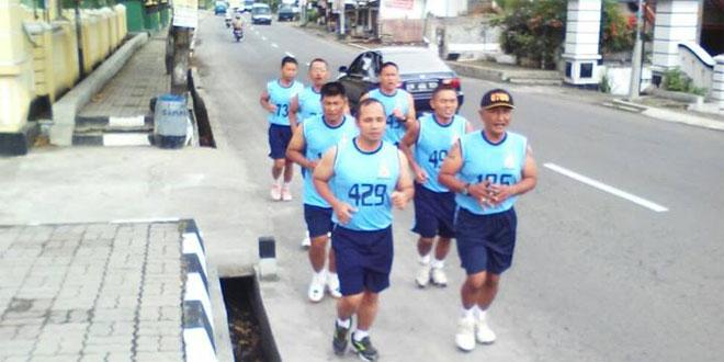 Koramil 12/Bulu Melaksanakan Binsik Lari 3,2 Km
