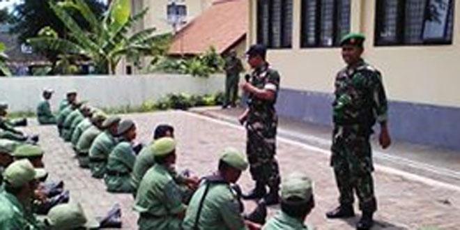 Babinsa Koramil 05/Cdrt Kodim 0706/Tmg Memberikan Pelatihan kepada Linmas