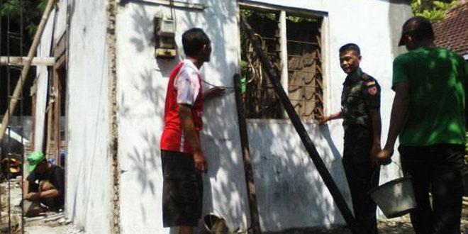 Koramil 09/Ngaliyan Garap RTLH Bagi Masyarakat