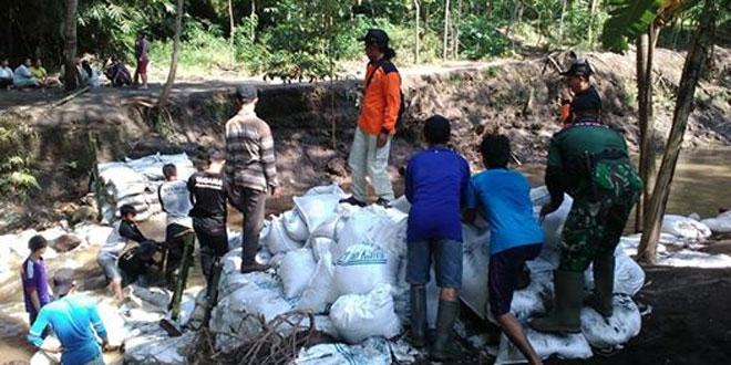 Karya Bhakti di wilayah Ramil 09/Prambanan