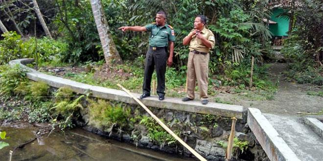 Koramil 04/Tempel Dan Warga Dusun Pokoh Banyurejo Sukseskan Karya Bakti