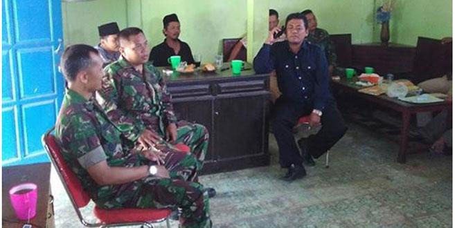 Koramil 13/Sedan Laksanakan Komsos Di Balai Desa Menoro