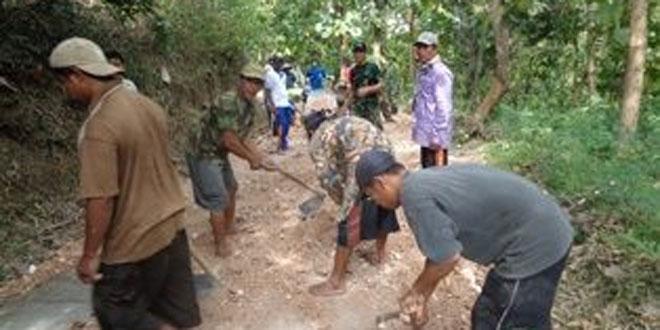 Program Karya Bakti Wujud Kemanunggalan TNI Membangun Desa