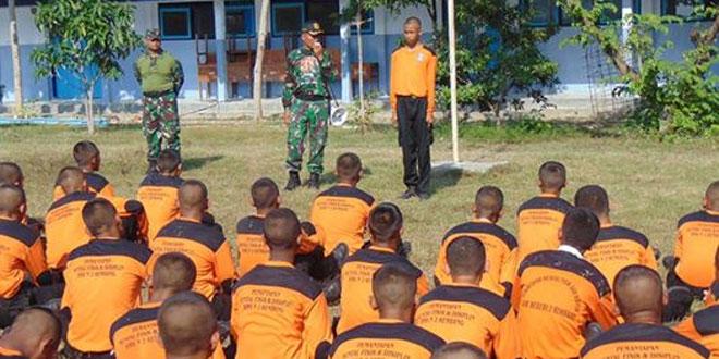 Kodim 0720/Rembang Latihkan PMFD Angkatan XI SMKN 2 Rembang