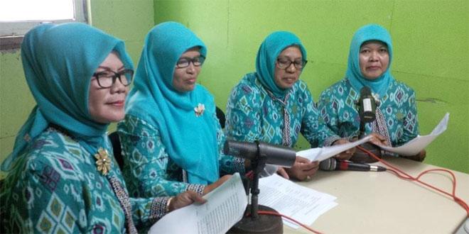 Ketua Persit Ranting 9/Kalibagor Isi Dialog di RRI Purwokerto