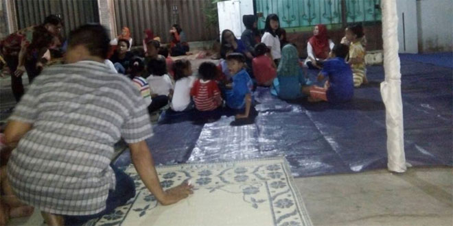 Babinsa Kal. Kratonan Koramil 03/Serengan Kodim 0735/Surakarta Menghadiri Malam Tirakatan