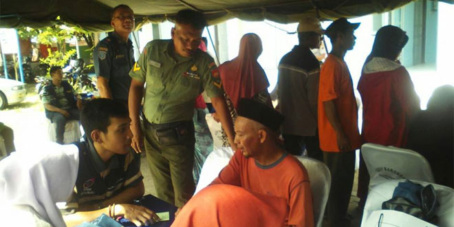 Pos Kamla TNI AL Rembang Gandeng Koramil 03/Sulang Laksanakan Pengobatan Gratis