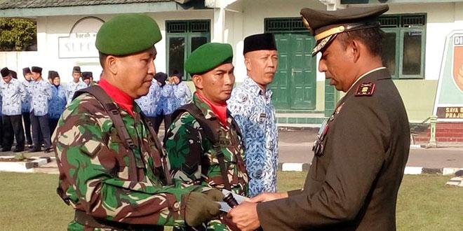 PEMBERIAN BEA SISWA DI UPACARA PROKLAMASI KEMERDEKAAN INDONESIA