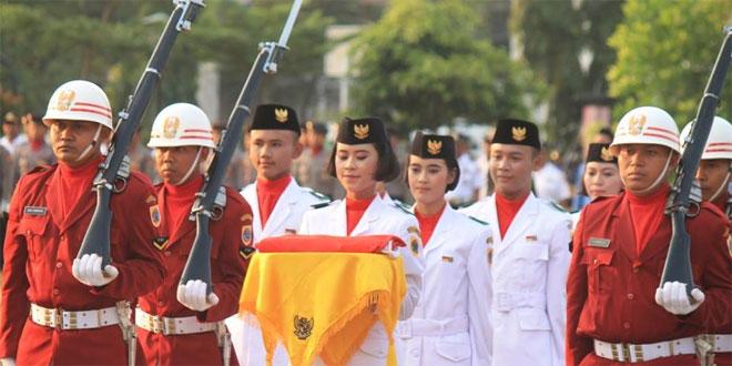 Serenada Aubade Dan Penurunan Bendera Sang Merah Putih  Dalam Rangka Proklamasi HUT RI Ke 71 Tahun 2016 Di Alun-Alun Brebes