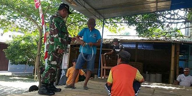 Babinsa Mlati Tingkatkan Hubungan Apkowil dengan Gotong Royong di Wilayah Binaan