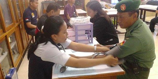 Babinsa Koramil 03/Gondokusuman Laksanakan Donor Darah di SMA Stella Duce 1