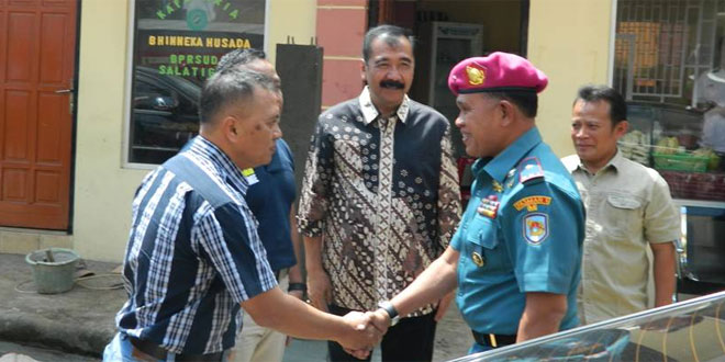 Dandim 0714/Salatiga Meyambut Kedatangan Komandan Pasukan Marinir 1 Brigjend TNI Marinir Lukman di RSU Salatiga