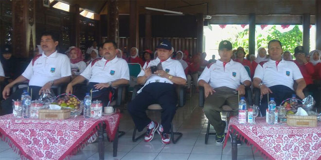 Dandim 0714/Salatiga Mengikuti Jalan Sehat HUT RI Ke-71 di Ungaran Kabupaten Semarang
