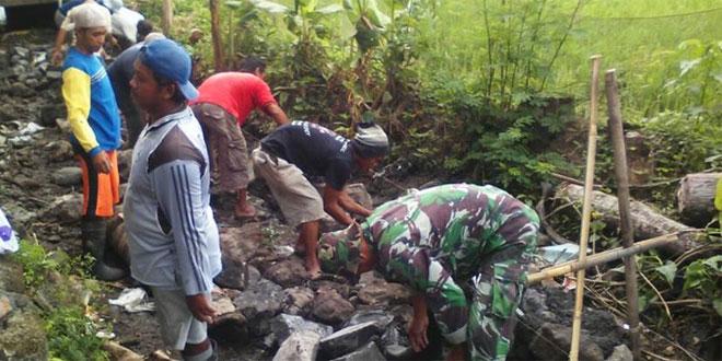 Karbhak Perbaikan Talud di Wilayah Koramil 10/Berbah