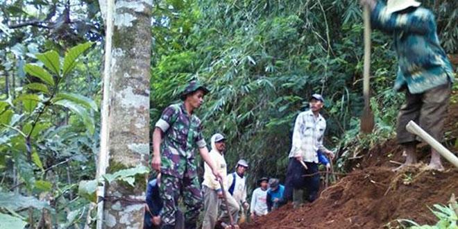 Kemanunggalan TNI dan Warga Mensukseskan Swasembada Pangan