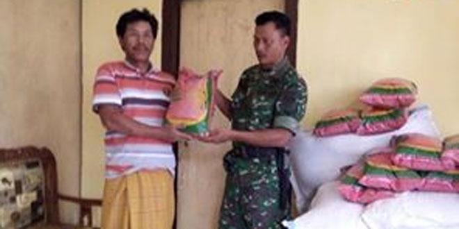 Babinsa Koramil 03/Parakan Kawal Penyerahan Bibit Padi
