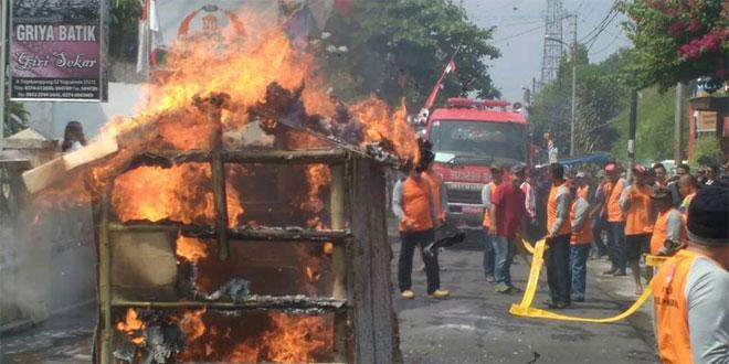 Babinsa Koramil 04/Danurejan Siapkan Warga Hadapi Bencana Sejak Dini