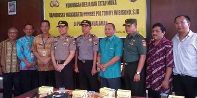 Danramil 05/Pakualaman Bersama Forkompimka Bersilaturahmi dengan Kapolresta Yogyakarta