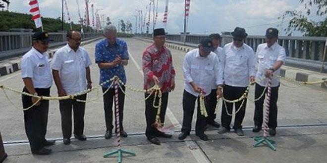Dandim Bersama Jajaran Forkominda Hadiri Peresmian Rusunawa dan Jembatan Sigandul