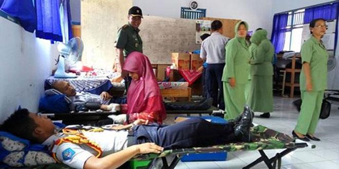 Kodim 0709/Kebumen Prakarsai Bakti Sosial Melalui HUT ke 55 Korem 072/Pamungkas