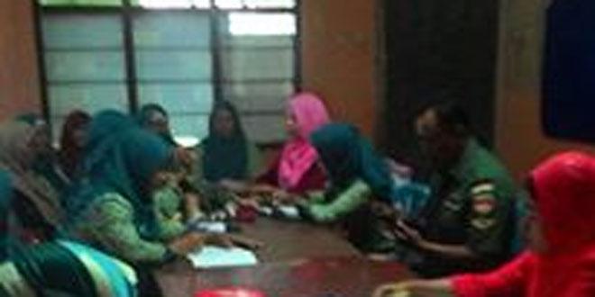 Babinsa Koramil 03/Parakan Beri Motivasi Kelompok Wanita Tani Mekarsari