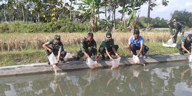 Penyerahan bantuan bibit Ikan Nila