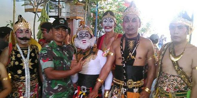 Babinsa Ramil 02 Dim 0735/Ska mengikuti Kirab Budaya bersih desa